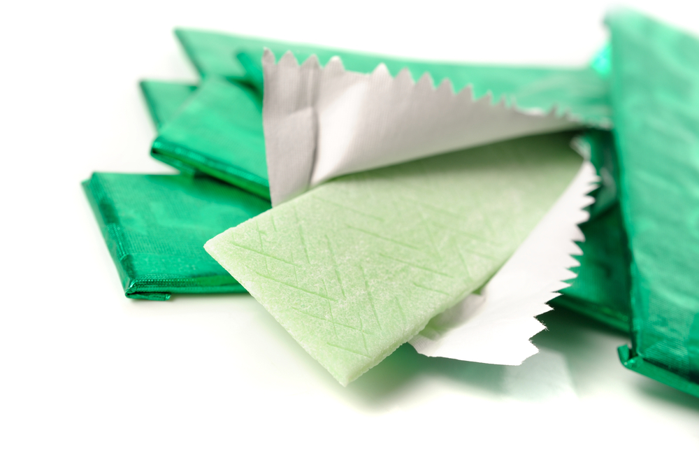 Chewing one additional piece of sugar-free chewing gum per day could reduce global dental expenditures