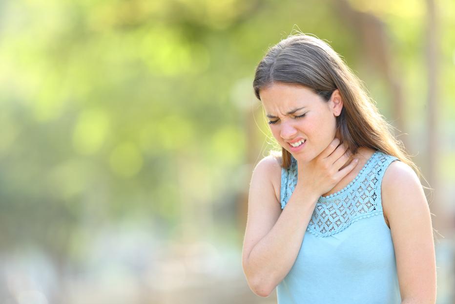 Random sore throat vs. COVID-19 sore throat